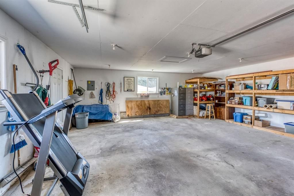 Photo 31: Photos: 499 Canterbury Drive SW in Calgary: Canyon Meadows Detached for sale : MLS®# A1107365