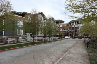 Photo 1: 307 14 E ROYAL AVENUE in New Westminster: Fraserview NW Condo for sale : MLS®# R2157525