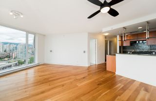 """Photo 5: 2302 583 BEACH Crescent in Vancouver: Yaletown Condo for sale in """"Park West 2 Yaletown"""" (Vancouver West)  : MLS®# R2179212"""