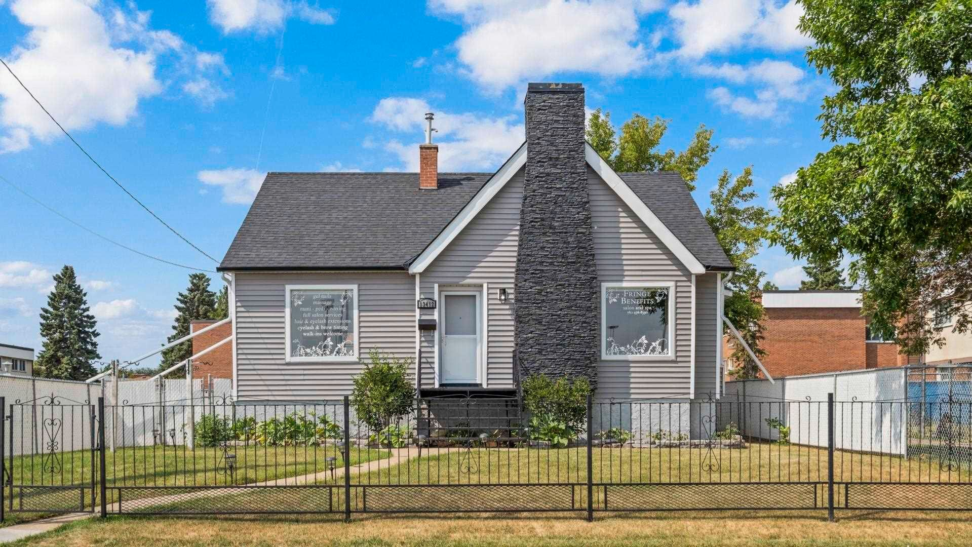 Main Photo: 13412 FORT Road in Edmonton: Zone 02 House for sale : MLS®# E4265889