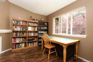 Photo 5: 2873 Young Pl in VICTORIA: La Glen Lake Half Duplex for sale (Langford)  : MLS®# 810391