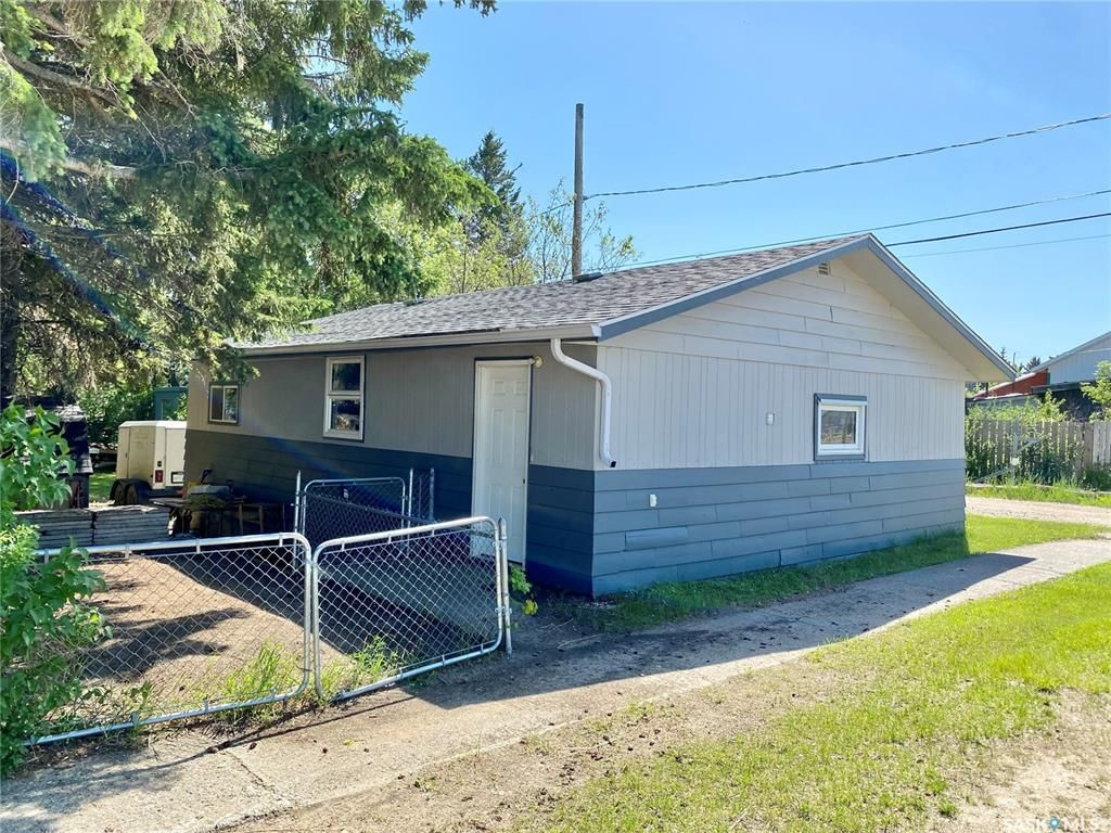 Main Photo: 106 1st Avenue in Shell Lake: Residential for sale : MLS®# SK833986