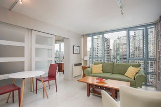 """Photo 2: 2205 930 CAMBIE Street in Vancouver: Yaletown Condo for sale in """"Pacific Place Landmark II"""" (Vancouver West)  : MLS®# R2394764"""
