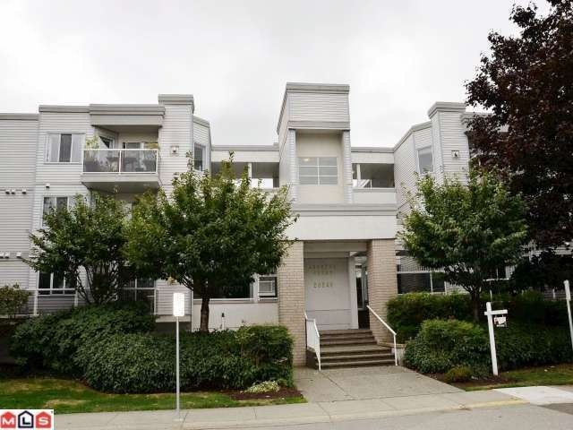 """Main Photo: 106 20240 54A Avenue in Langley: Langley City Condo for sale in """"ARBUTUS COURT"""" : MLS®# F1224337"""