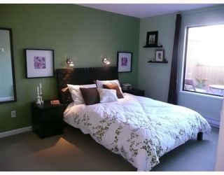 "Photo 8: 1083 SCANTLINGS BB in Vancouver: False Creek Townhouse for sale in ""MARINE MEWS"" (Vancouver West)  : MLS®# V759244"