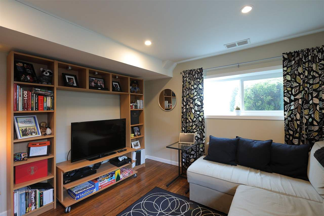 Photo 15: Photos: 1865 E 53RD Avenue in Vancouver: Killarney VE House for sale (Vancouver East)  : MLS®# R2383850
