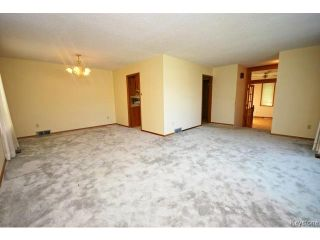 Photo 3: 132 Tu-pelo Avenue in WINNIPEG: East Kildonan Residential for sale (North East Winnipeg)  : MLS®# 1512372