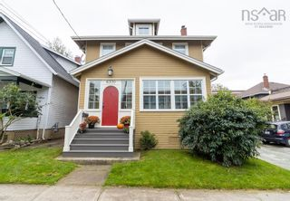 Photo 1: 6370 Pepperell Street in Halifax: 2-Halifax South Residential for sale (Halifax-Dartmouth)  : MLS®# 202125875