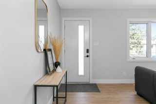 Photo 3: 11007 160 Street in Edmonton: Zone 21 House for sale : MLS®# E4242599