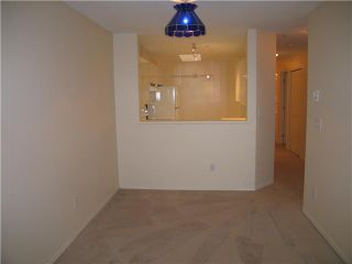 Photo 3: 408 210 CARNARVON Street in New Westminster: Downtown NW Condo for sale : MLS®# V828069