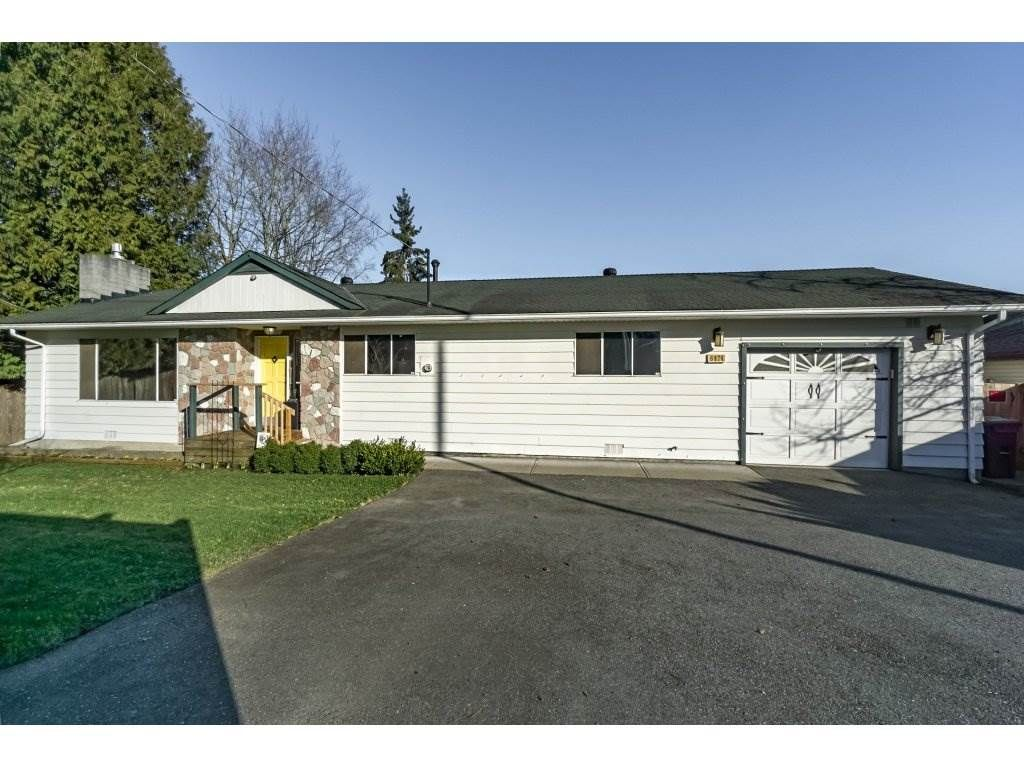 Main Photo: 6474 196 Street in Langley: Willoughby Heights House for sale : MLS®# R2239174
