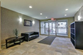 Photo 2: 213 13710 150 Avenue in Edmonton: Zone 27 Condo for sale : MLS®# E4225213
