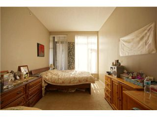 """Photo 9: 303 39 SIXTH Street in New Westminster: Downtown NW Condo for sale in """"Quantum By Bosa"""" : MLS®# V1135585"""