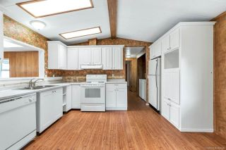 "Photo 4: 14 8670 156 Street in Surrey: Fleetwood Tynehead Manufactured Home for sale in ""WESTWOOD COURT"" : MLS®# R2377361"