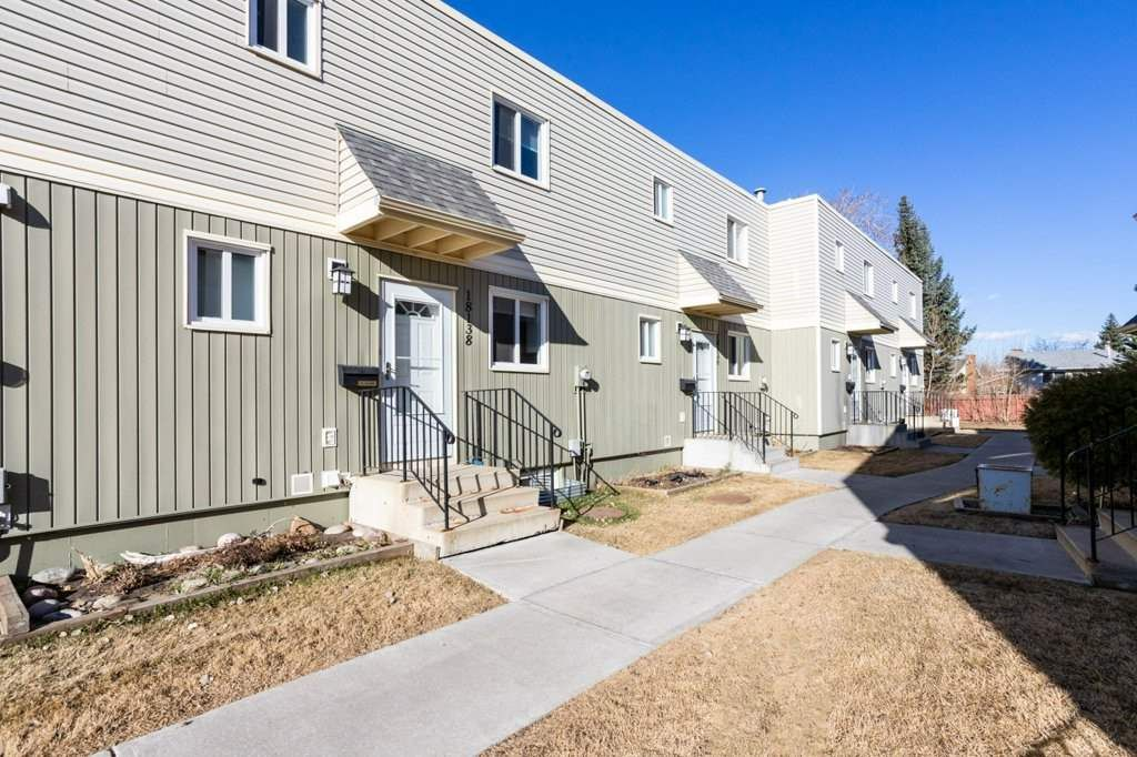 Main Photo: 18138 81 Avenue NW in Edmonton: Zone 20 Townhouse for sale : MLS®# E4239667
