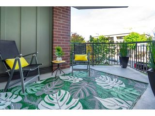 """Photo 2: 207 1551 FOSTER Street: White Rock Condo for sale in """"SUSSEX HOUSE"""" (South Surrey White Rock)  : MLS®# R2615231"""