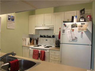 """Photo 6: 302 929 W 16TH Avenue in Vancouver: Fairview VW Condo for sale in """"OAKVIEW GARDEN"""" (Vancouver West)  : MLS®# V1122084"""