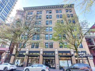 """Photo 2: 701 233 ABBOTT Street in Vancouver: Downtown VW Condo for sale in """"Abbott Place"""" (Vancouver West)  : MLS®# R2578437"""