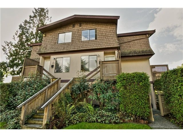 "Main Photo: 4 319 HIGHLAND Way in Port Moody: North Shore Pt Moody Townhouse for sale in ""HIGHLAND PARK"" : MLS®# V1028361"