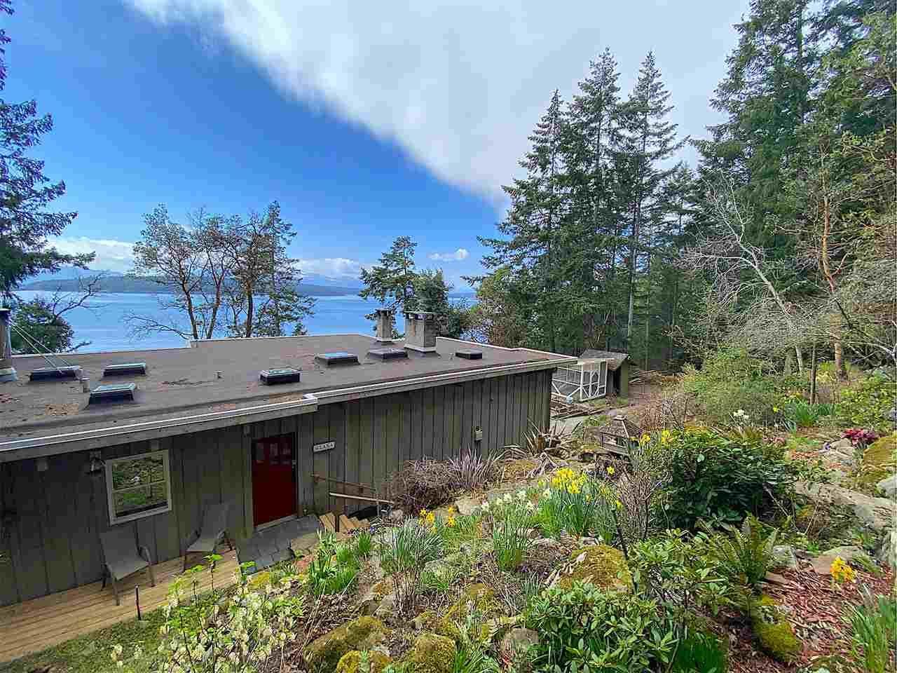 Main Photo: 355 TRINCOMALI Drive: Galiano Island House for sale (Islands-Van. & Gulf)  : MLS®# R2559208