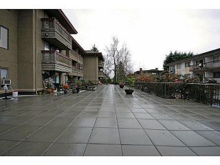 """Photo 31: 104 436 SEVENTH Street in New Westminster: Uptown NW Condo for sale in """"REGENCY COURT"""" : MLS®# R2609337"""