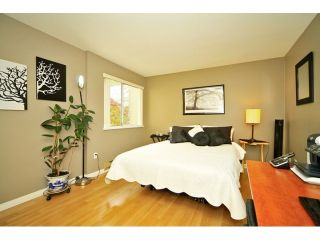 """Photo 4: 108 5565 BARKER Avenue in Burnaby: Central Park BS Condo for sale in """"BARKER PLACE"""" (Burnaby South)  : MLS®# V953563"""