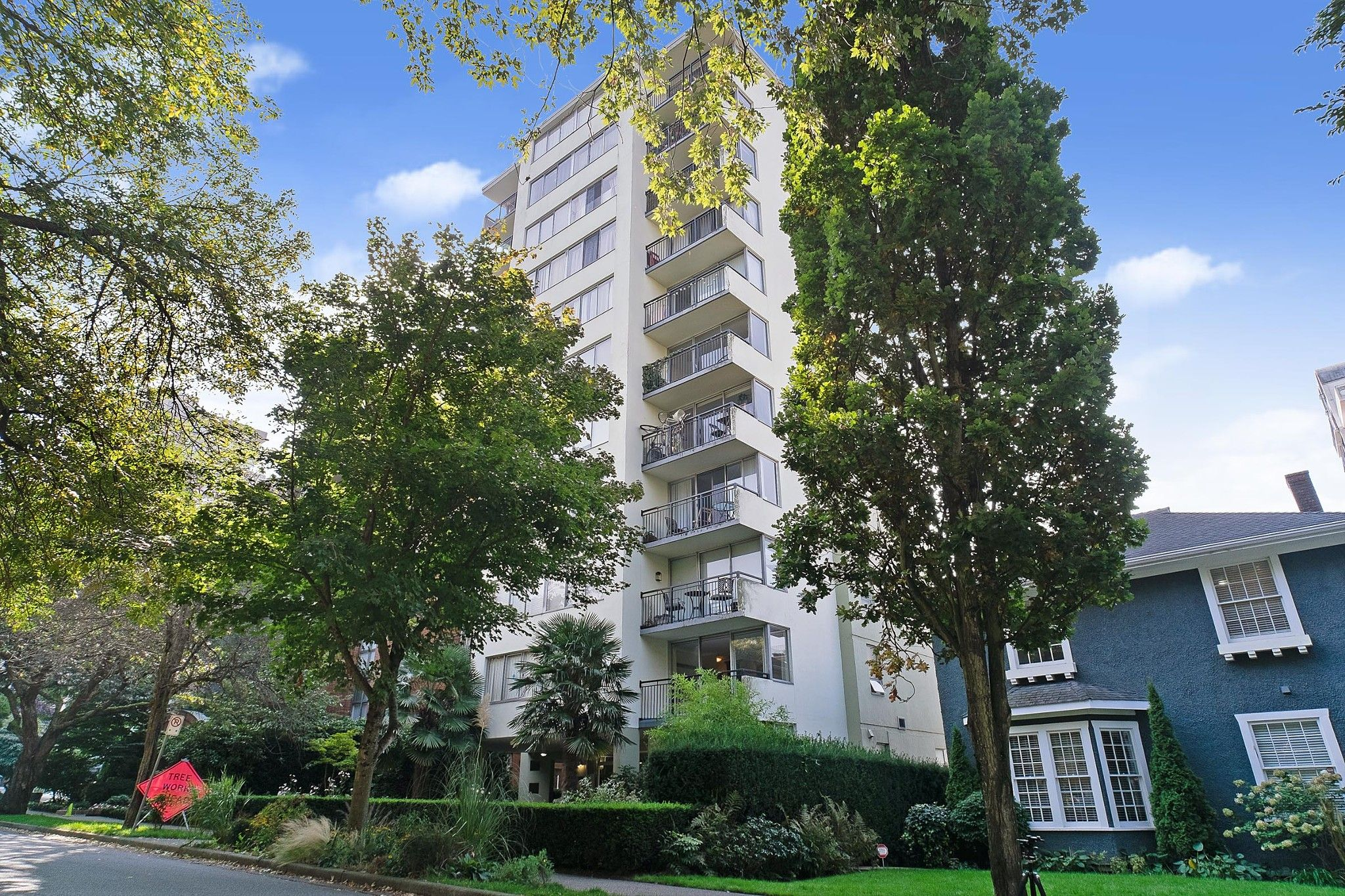 """Main Photo: 202 1534 HARWOOD Street in Vancouver: West End VW Condo for sale in """"ST. PIERRE"""" (Vancouver West)  : MLS®# R2505398"""