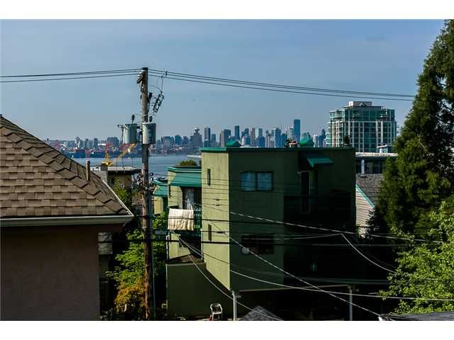 Photo 3: Photos: 1 241 E 4TH Street in North Vancouver: Lower Lonsdale Townhouse for sale : MLS®# V1062566