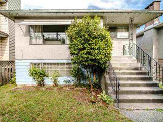 Photo 1: 5904 BERKELEY Street in Vancouver: Killarney VE House for sale (Vancouver East)  : MLS®# R2481103