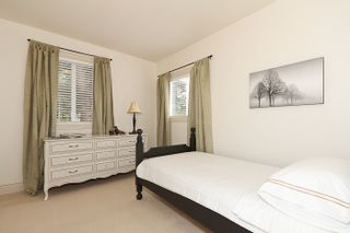 Photo 18: 1178 Dolphin Street: White Rock Home for sale ()  : MLS®# F1111485