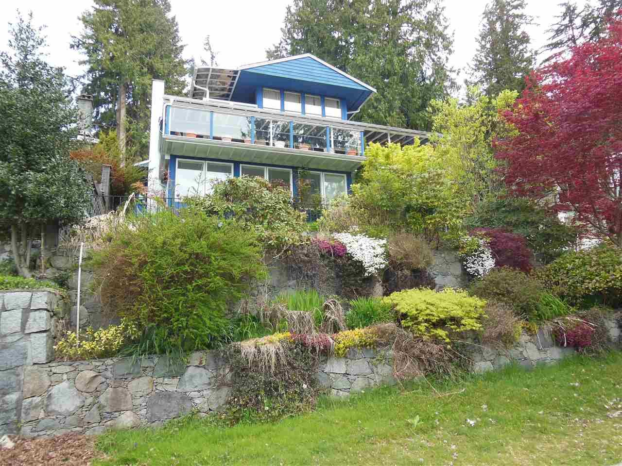 Main Photo: 4559 PROSPECT Road in North Vancouver: Upper Delbrook House for sale : MLS®# R2166251