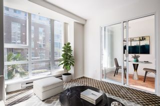 """Photo 2: 208 910 BEACH Avenue in Vancouver: Yaletown Condo for sale in """"910 BEACH AVE"""" (Vancouver West)  : MLS®# R2617665"""