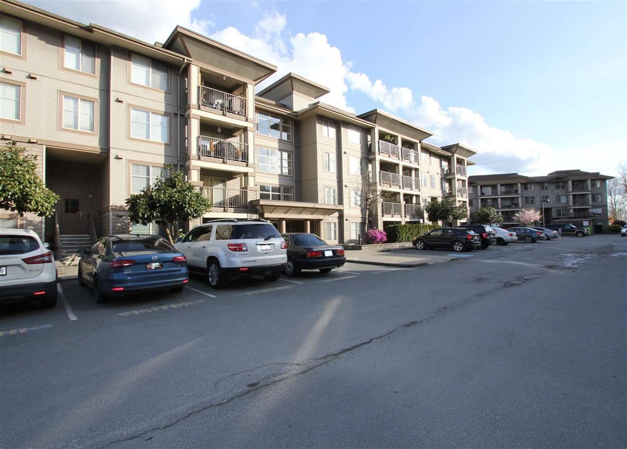 """Main Photo: 410 45561 YALE Road in Chilliwack: Chilliwack W Young-Well Condo for sale in """"THE VIBE"""" : MLS®# R2563176"""