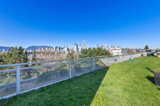 """Photo 2: 513 1540 W 2ND Avenue in Vancouver: False Creek Condo for sale in """"THE WATERFALL BUILDING"""" (Vancouver West)  : MLS®# R2624820"""