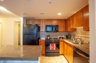 Photo 11: 1702 1078 6 Avenue SW in Calgary: Downtown West End Apartment for sale : MLS®# A1127041