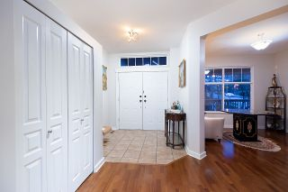 Photo 2: 3 FERNWAY Drive in Port Moody: Heritage Woods PM House for sale : MLS®# R2558440