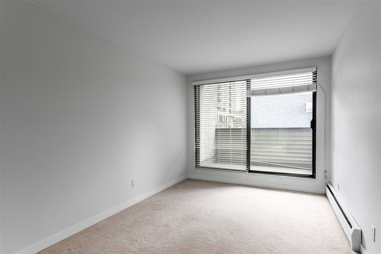Photo 9: Photos: 207 225 SIXTH STREET in New Westminster: Queens Park Condo for sale : MLS®# R2440981