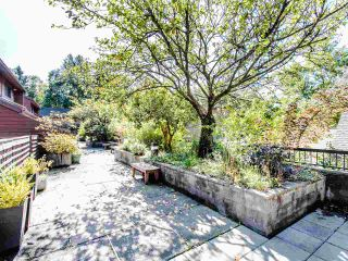 """Photo 2: 4336 GARDEN GROVE Drive in Burnaby: Greentree Village Townhouse for sale in """"GREENTREE VILLAGE"""" (Burnaby South)  : MLS®# R2406422"""