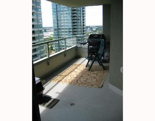 """Photo 5: 1002 4380 HALIFAX Street in Burnaby: Brentwood Park Condo for sale in """"BUCHANAN NORTH"""" (Burnaby North)  : MLS®# V717911"""