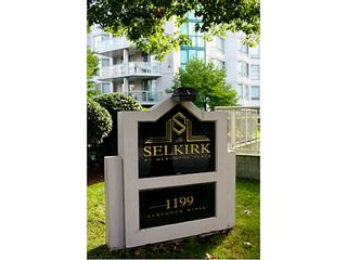 """Photo 2: 1505 1199 EASTWOOD Street in Coquitlam: North Coquitlam Condo for sale in """"Silkerk"""" : MLS®# V1088798"""