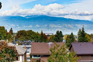 Photo 4: 3718 W 24TH Avenue in Vancouver: Dunbar House for sale (Vancouver West)  : MLS®# R2617737