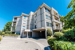 """Photo 2: 304 5450 208 Street in Langley: Langley City Condo for sale in """"Montgomery Gate"""" : MLS®# R2410335"""