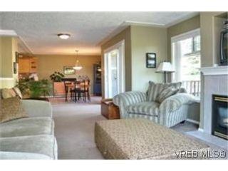 Photo 3:  in VICTORIA: Vi Oaklands Half Duplex for sale (Victoria)  : MLS®# 471075