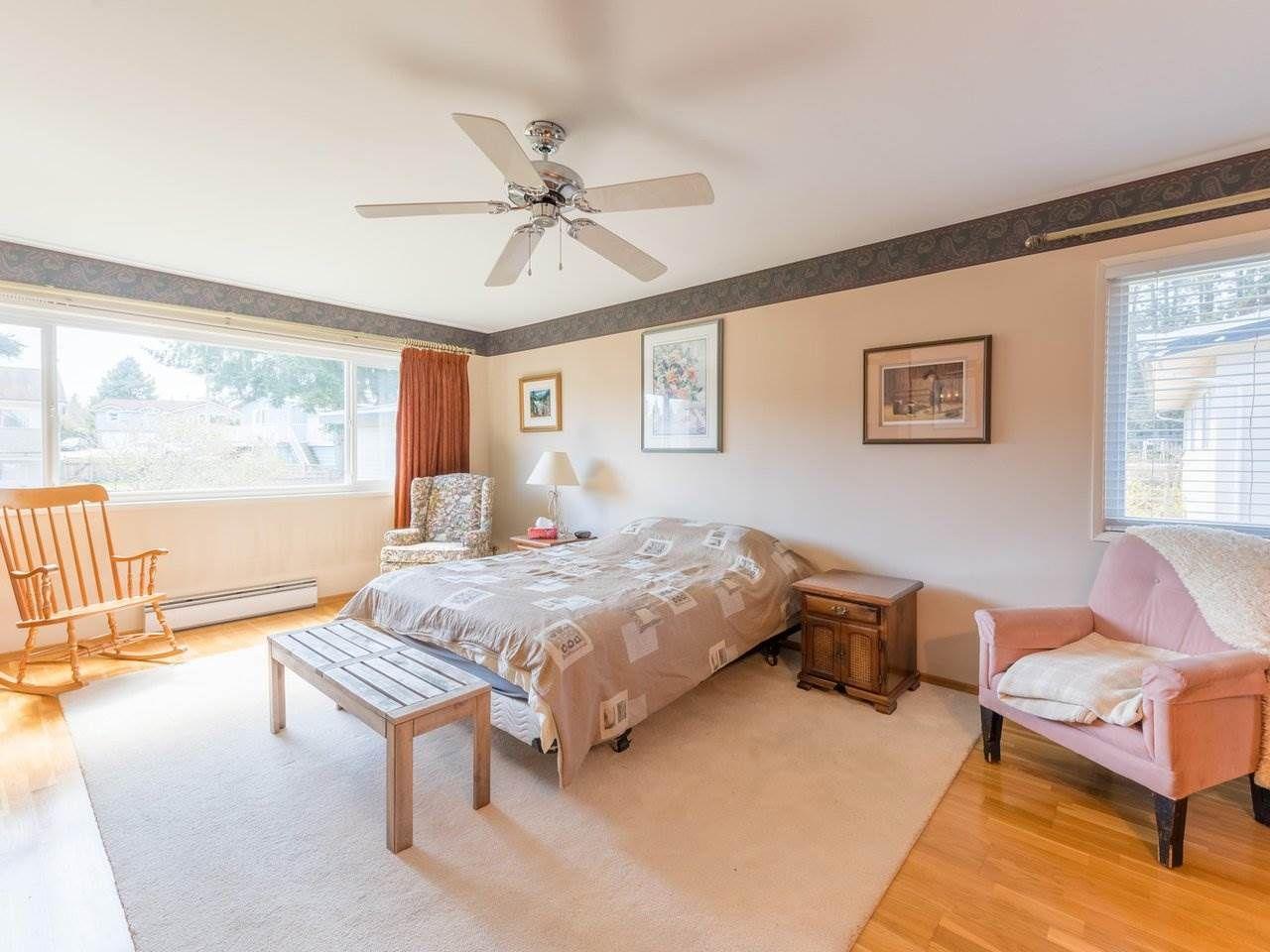 Photo 18: Photos: 808 REGAN Avenue in Coquitlam: Coquitlam West House for sale : MLS®# R2563486