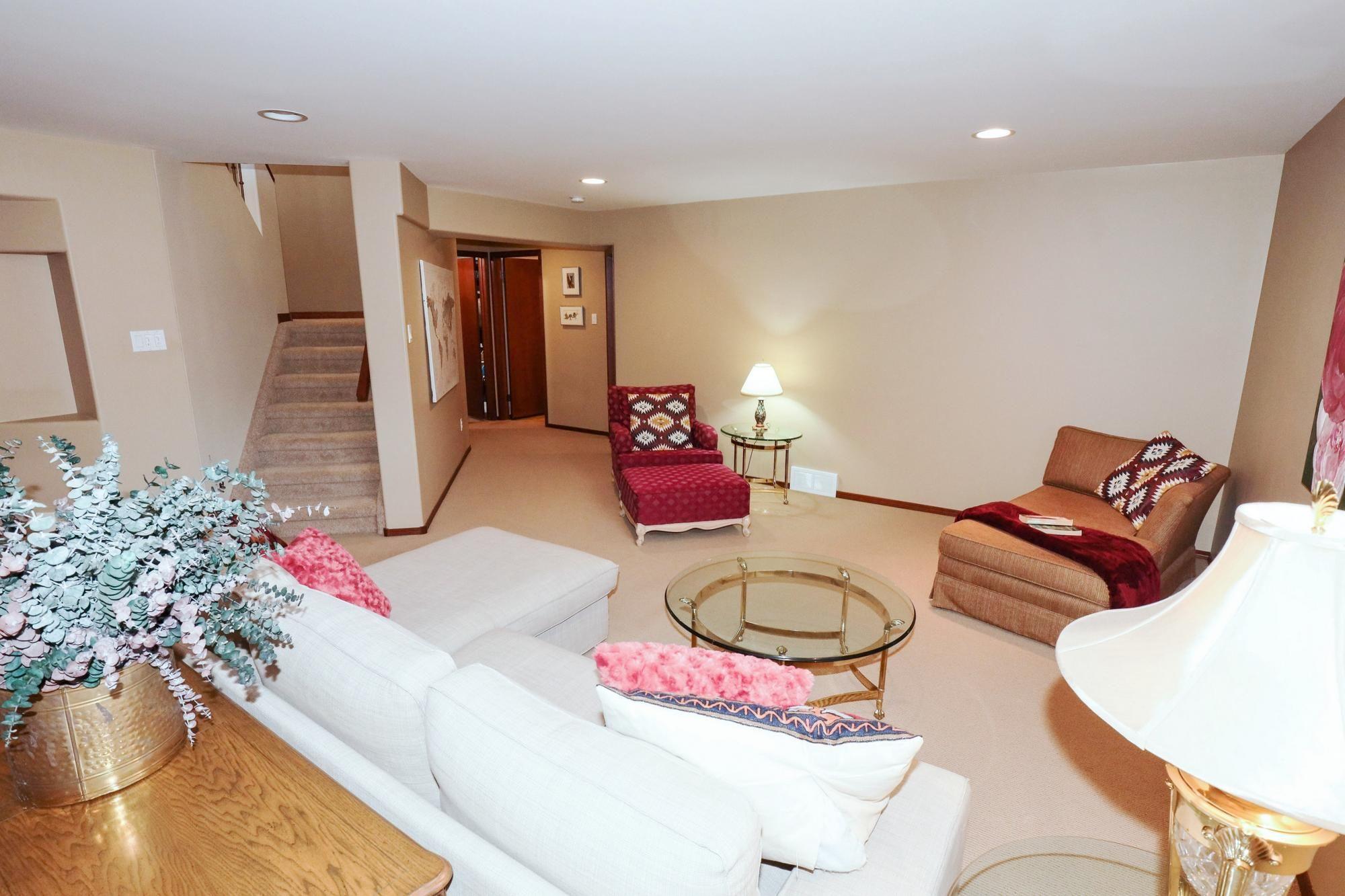 Photo 30: Photos: 7 Castle Ridge Drive in Winnipeg: Linden Ridge Single Family Detached for sale (1M)  : MLS®# 202107901