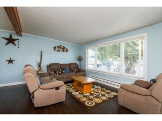 Photo 5: 13335 80 Avenue in Surrey: Queen Mary Park Surrey House for sale : MLS®# R2165101