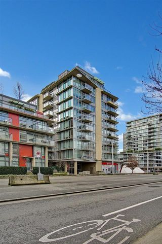 """Photo 15: 810 88 W 1ST Avenue in Vancouver: False Creek Condo for sale in """"THE ONE"""" (Vancouver West)  : MLS®# R2545345"""