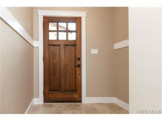 Photo 3: 104 990 Rattanwood Pl in VICTORIA: La Happy Valley Row/Townhouse for sale (Langford)  : MLS®# 711629