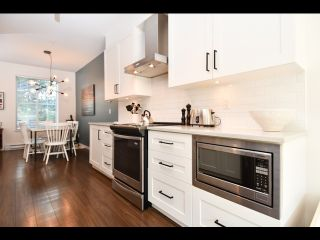 Photo 4: 52 433 SEYMOUR RIVER PLACE in North Vancouver: Seymour NV Townhouse for sale : MLS®# R2420989