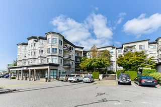 Photo 1: 212 5759 GLOVER Road in Langley: Langley City Condo for sale : MLS®# R2354108